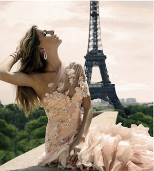 巴黎铁塔下的朦胧浪漫婚纱
