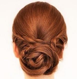 四款韩式新娘花苞头发型